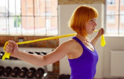 Modstandsbånd: Fem fantastiske øvelser for din ryg