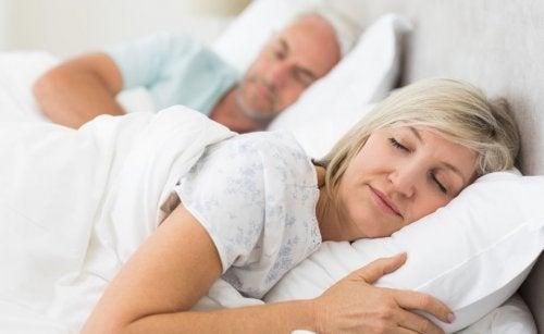 Tips til at sove bedre efter de fyrre