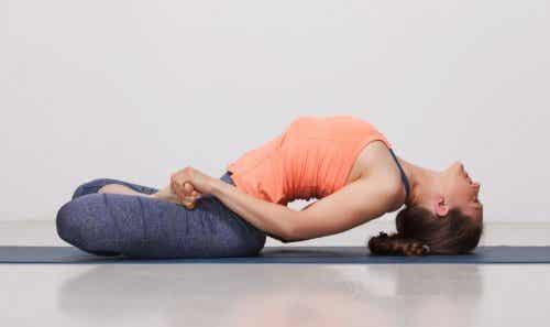 Fem yoga-stillinger der er gode for din ryg