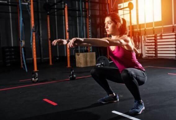 5 øvelser til baller og ben, der ikke kræver udstyr