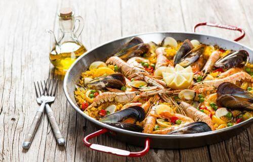 Sunde fødevarer typisk for Spanien