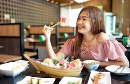 Japansk mad er sundt og varieret og de har mange sunde kostvaner