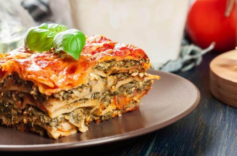 Vegetarisk lasagne der er to vegetariske versioner