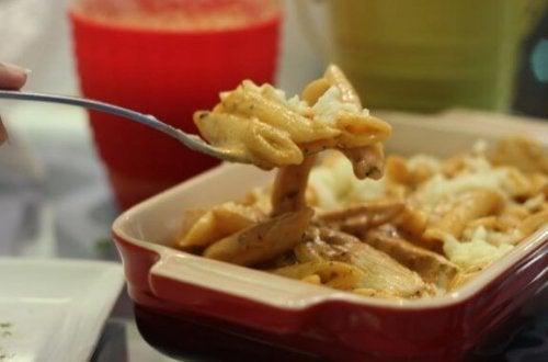 ret med pasta og ost