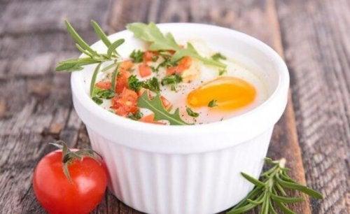 æg i en ovnfast skål