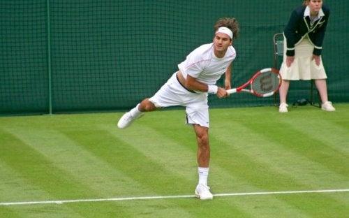 Roger Federer spiller på Wimbledon