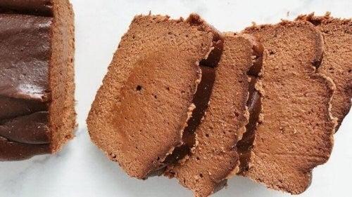 Kaloriefattig chokoladekage med proteiner