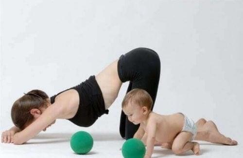Træning efter fødslen kan få dig i form igen