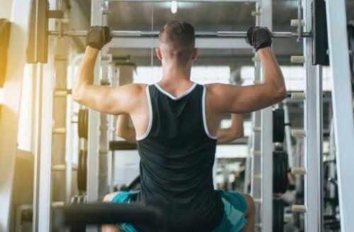 Du kan styrke din ryg med disse øvelser