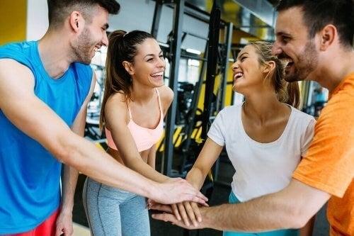 Hvordan kan samarbejde forbedre fysisk præstation?