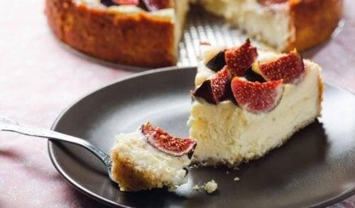 Lækker kage med bær