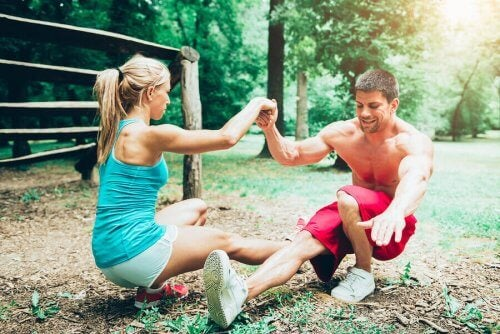 par der træner udendørs