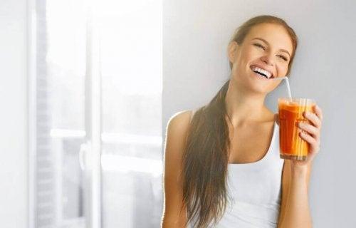 Forskelle mellem juice, sodavand og smoothies