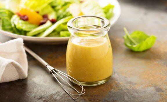 Kolde og lette dressinger: Basilikum og citrondressing.