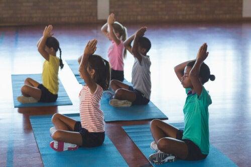 Yoga for børn: De første trin
