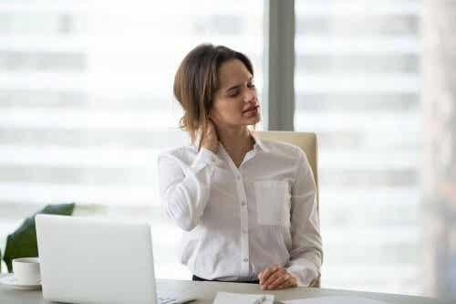 De 4 bedste øvelser til at styrke din nakke