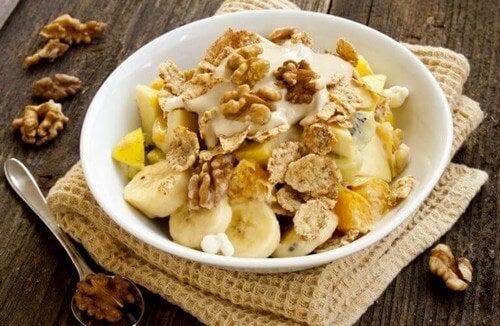 Sund morgenmad til atleter med banan og kornprodukter