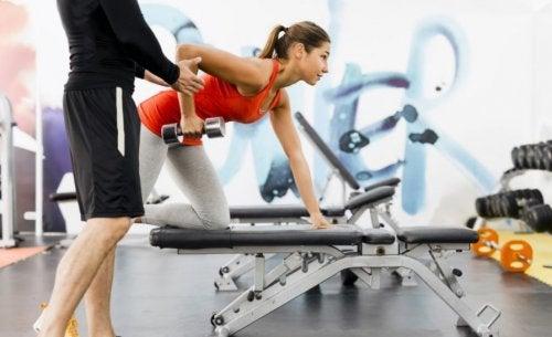 Forskellige hastigheder under styrketræning