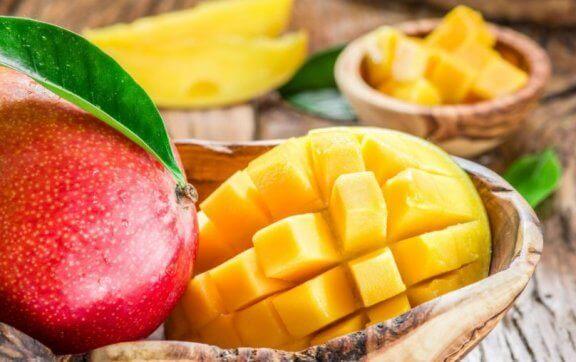 frisk, udskåret mango