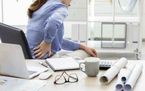 Udstræk til at lindre smerter i lænden