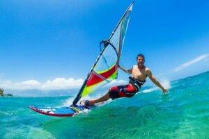 windsurfing er stadig meget populært