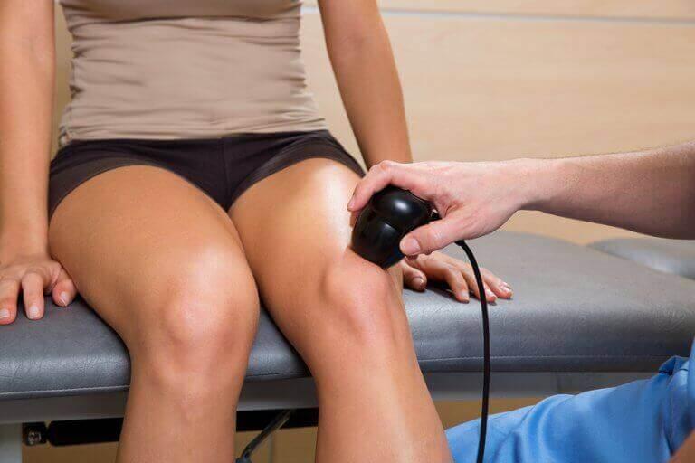 knæ der bliver scannet