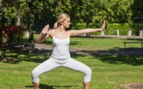 Den smukke integration af kampsport og yoga