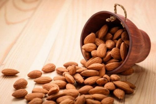 typer af vitaminer i mandler