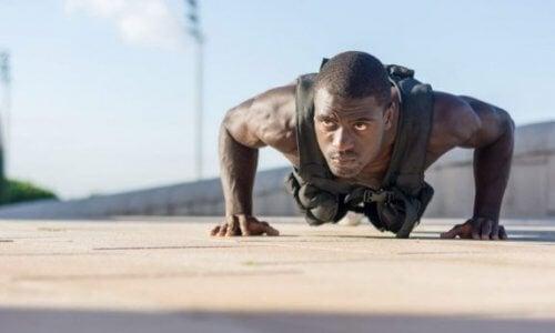 Fordelene ved at træne med en vest med vægte