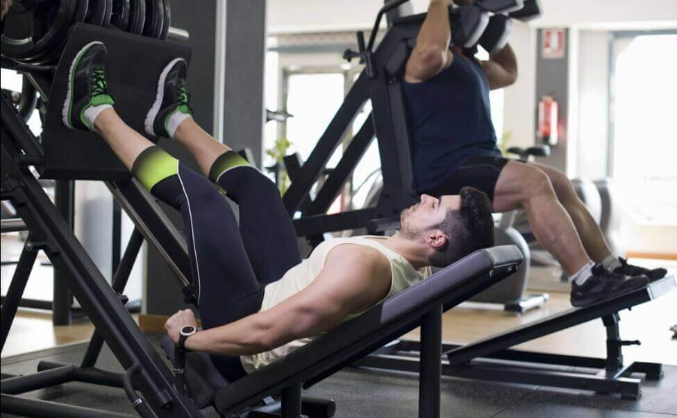 maskine til at træne quadriceps