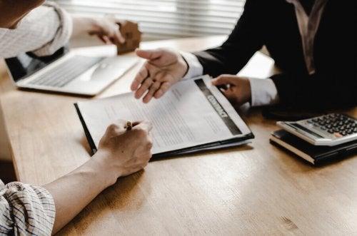 forklaring af kontrakt