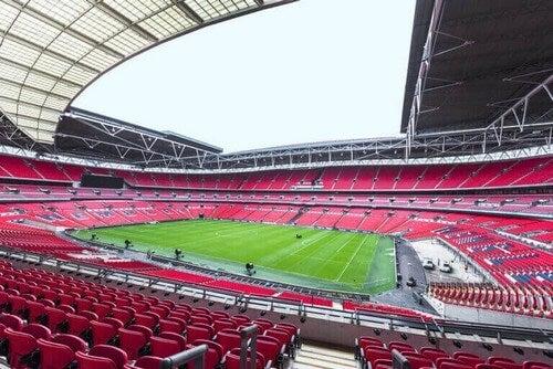 Et tomt stadion på grund af COVID-19