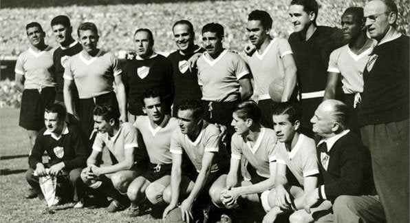 ældre billede af fodboldhold
