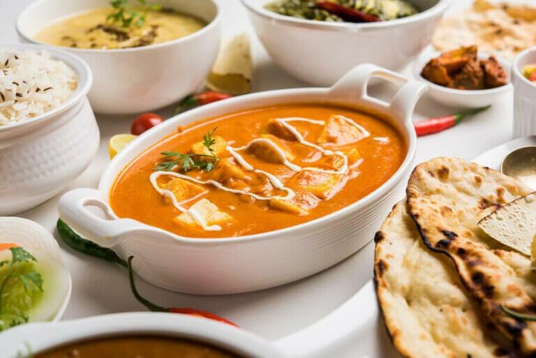 Multikulturel cuisine i Spanien: spisetid og globalisering
