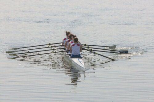 Historie og grundregler i roning: Konkurrenceregler