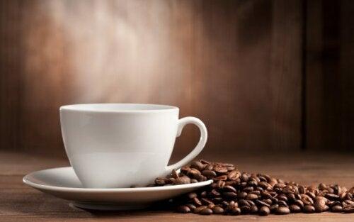 Er det dårligt at indtage for meget koffein?