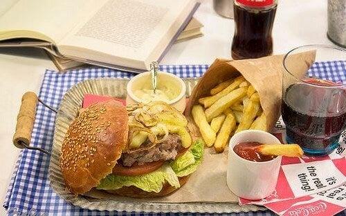 Fastfood indeholder dårligt fedt