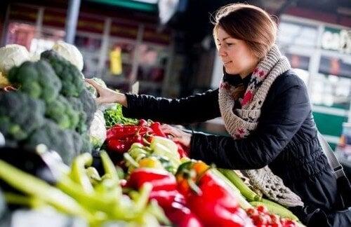 Vælg naturlige fødevarer, hvis du er på kur