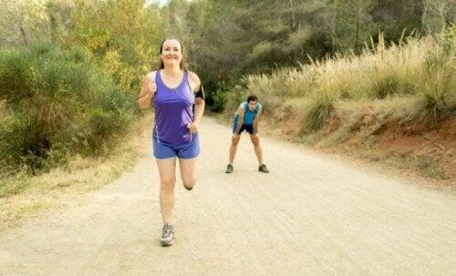 Aktive løbere bør trække vejret gennem næsen