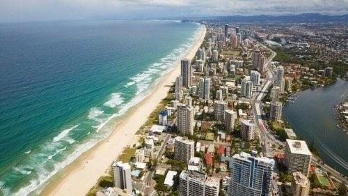 Gold Coast er en af de bedste strande til surfing