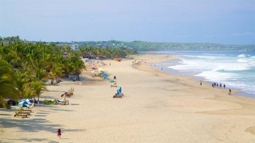 Zicatela strand i Mexico er en af de bedste strande til surfing