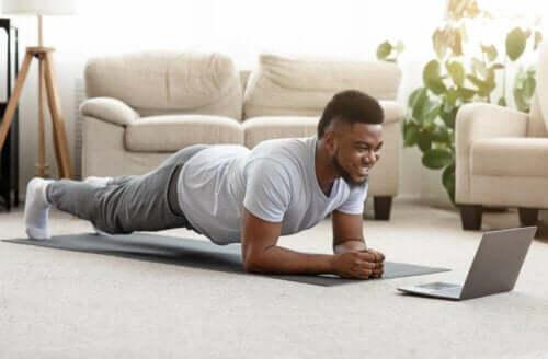Isometriske øvelser til at opbygge muskel