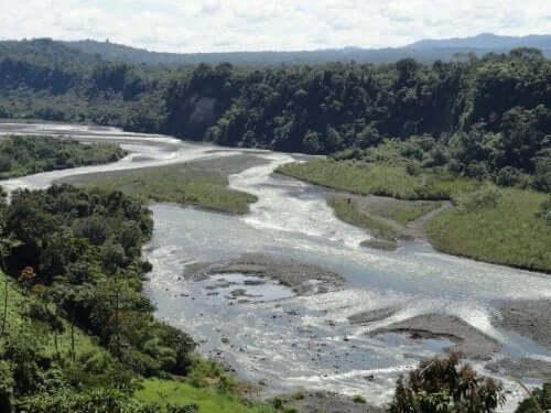 Upano-floden i Ecuador