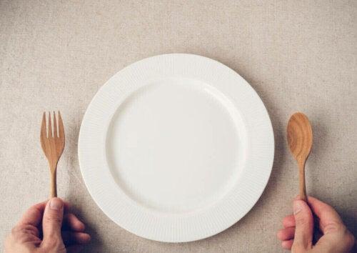 Hvad sker der, når man springer morgenmaden over?