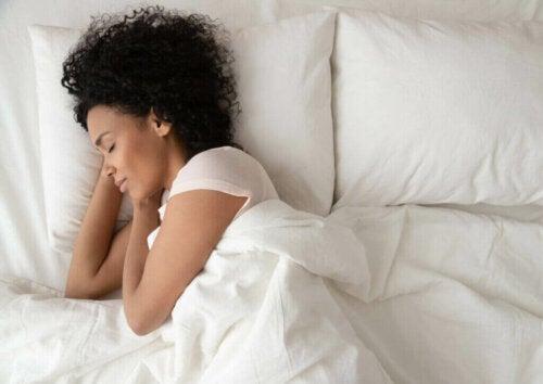Hvordan du kan forbrænde flere kalorier, når du sover