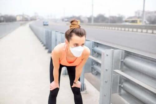 Kan forurening udjævne fordelene ved at træne?