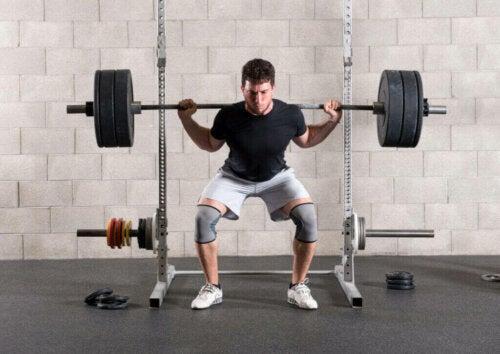 4 almindelige fejl, når du laver squats