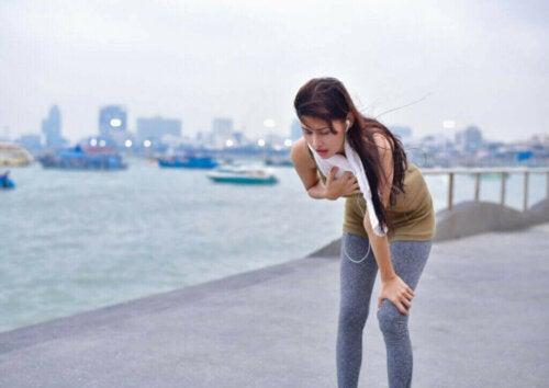 Hvorfor opstår kvalme under træning?