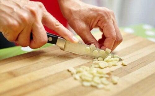 hvidløg som en af de fødevarer, der stimulerer dit immunforsvar