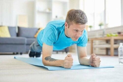 4 kropsvægtsøvelser for mænd